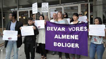 Protest mod nedrivning af almene boliger, ved Aarhus Rådhus 22.8.2018